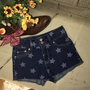 Levi  high rise jean shorts with stars